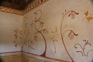 Guedelon paint (11)